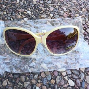 Spitfire Sunglasses in Vanilla